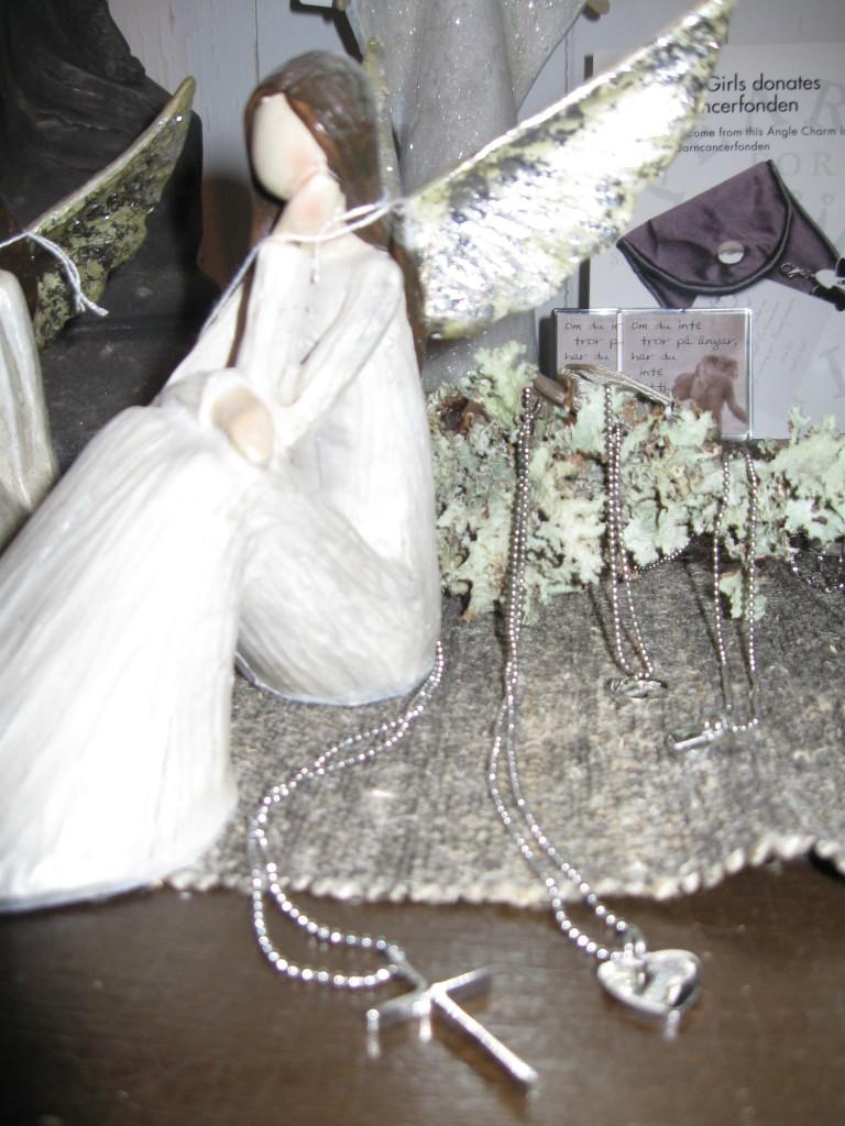 Smycken och änglar