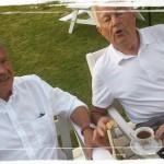 Mina favoritgubbar kan aldrig sluta snacka... Stefan och Stig... eller rättare sagt morfar och Stickan!