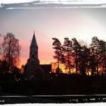 Morgonljus över kyrkan