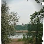 Viby kyrka sett från prästgården